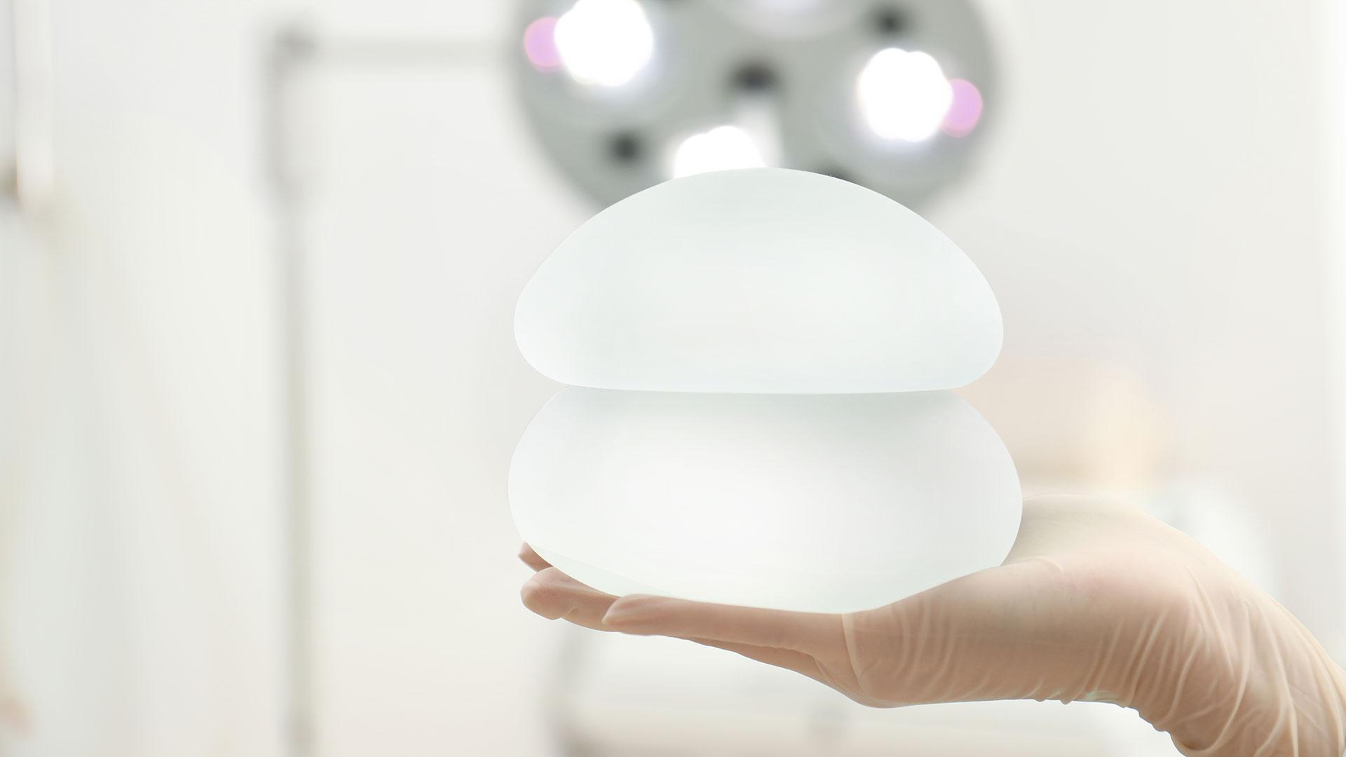 Implantes mamarios texturizados y expansores